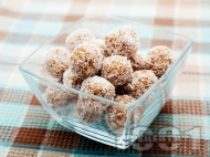 Постни кокосови сладки без захар и без яйца
